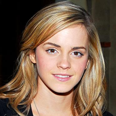 emma watson short hair back. I like the short hair on her,